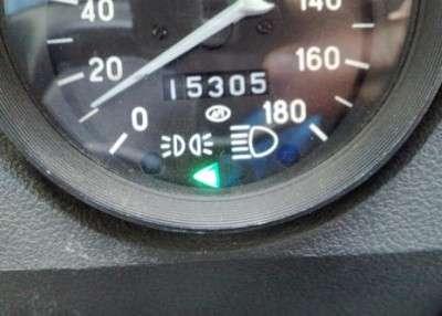 Разделение контрольной лампы поворотов ВАЗ 2106