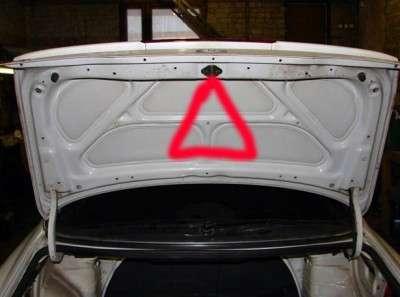Ставим аварийный знак на светодиодах в багажник