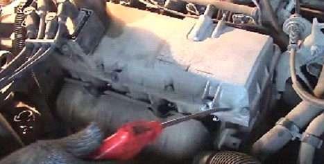 Регулировка клапанов двигателя на Renault своими руками