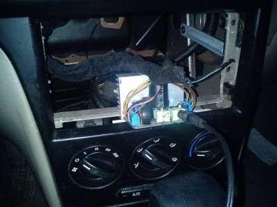 Как заменить CD-плеер на телефон в автомобиле.