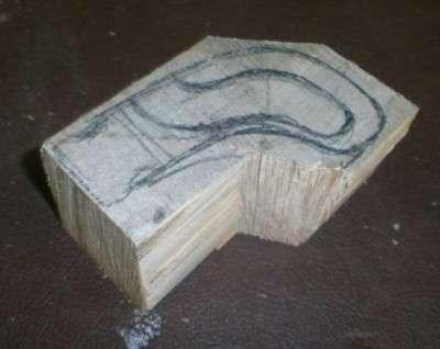 вырезаем из дерева  ручку для коробки