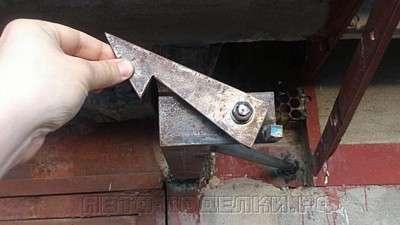 Фиксаторы для гаражных ворот